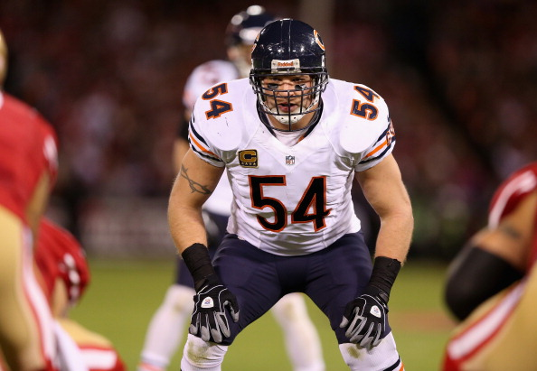 SAN FRANCISCO, CA - NOVEMBER 19: Brian Urlacher #54 of the Chicago Bears lines up against the San Francisco 49ers at Candlestick Park on November 19, 2012 in San Francisco, California. (Photo by Ezra Shaw/Getty Images)