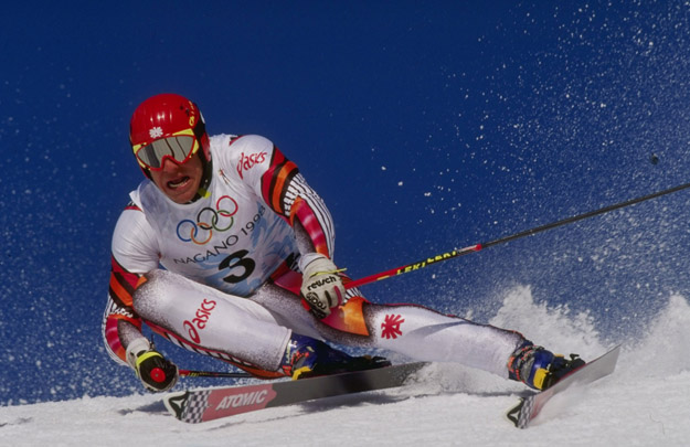 19 Feb 1998:  Hermann Maier of Austria wins the gold medal in the mens giant slalom at Shiga Kogen during the 1998 Olympic Winter Games in Nagano, Japan.