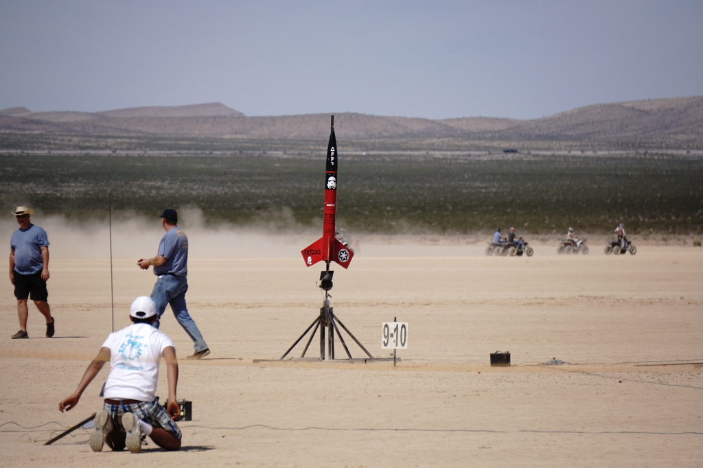 Tripoli Vegas Springfest 2015 – High Power Rocketry – CBS