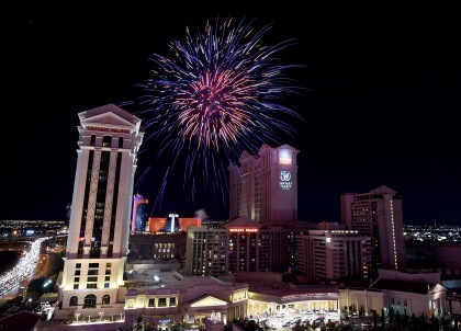 LAS VEGAS, NV - JULY 03: Fireworks light up the sky over Caesars Palace in celebration of the resort's 50th anniversary on July 3, 2016 in Las Vegas, Nevada. (Photo by Ethan Miller/Getty Images for Caesars Entertainment)